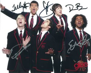 Glee Cast (x5 Autographs) - Genuine Signed Autograph 8334